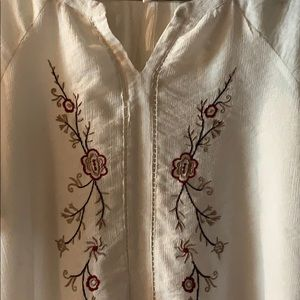 Old Navy short & beautiful blouse embroidery